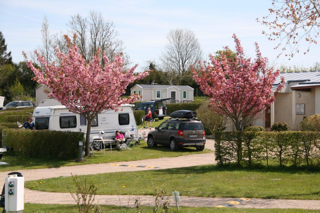 Emplacement caravanes cerisiers