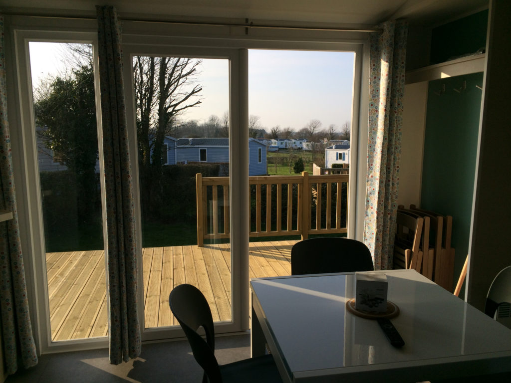 mobil home terrasse campagne