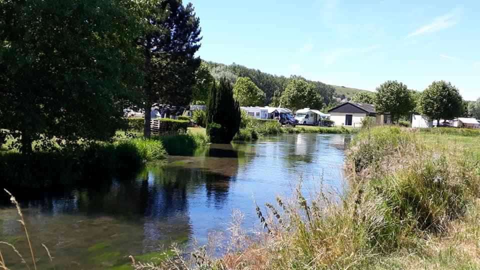 camping foret rivière normandie