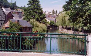 village riviere eure la charentonne
