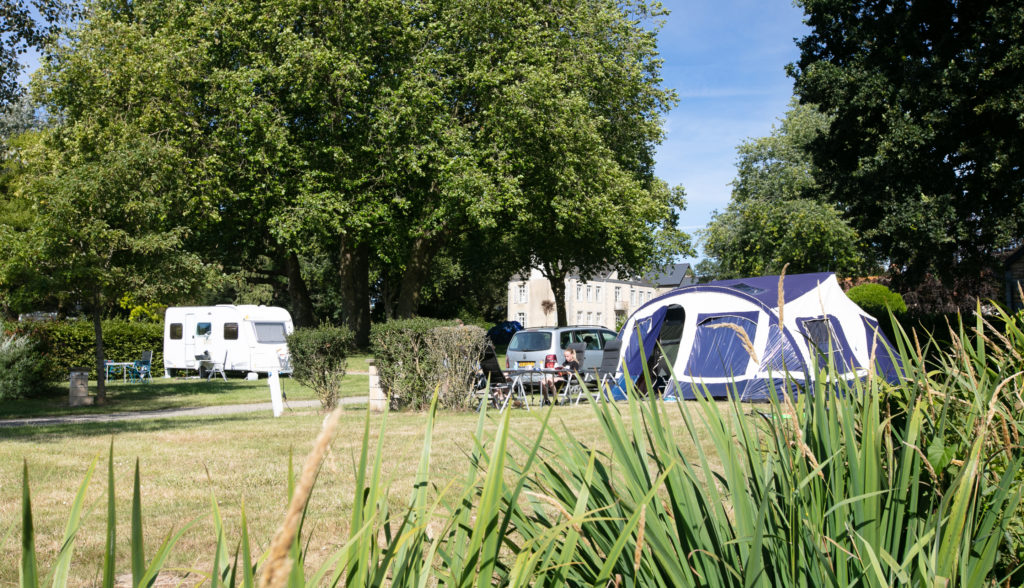 grand emplacement camping calme