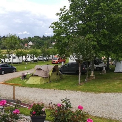 camping chateau medieval