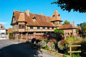Maison pan de bois, colombages, Normandie